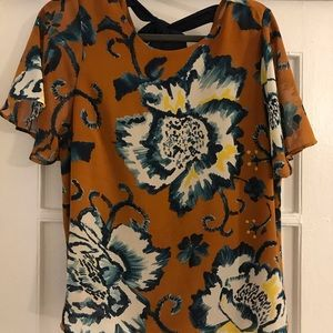 Floral short-sleeve bow back blouse